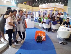"""河南郑州:与电商平台合作 他的客户""""拼""""光了700万斤新蒜"""