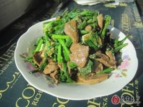 韭菜炒羊肝的功效与作用