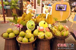 """南宁:泰国精品极速5分排列3水果让人""""榴莲忘返"""""""