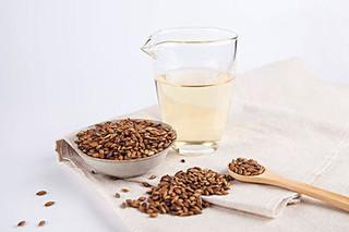 大麦茶洗脸和饮用的好处