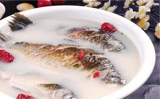 下奶鲫鱼汤的做法