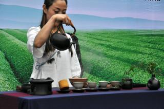 浙江萧山举办第五届湘湖龙井茶茶艺节