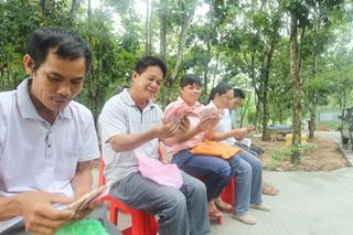 儋州南丰竹狸养殖项目见成效 贫困户首分红