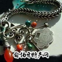蒙古族的银饰品