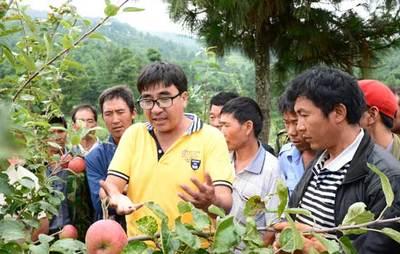 孔玛乡展开青稞田间管理新农药使用技术培训