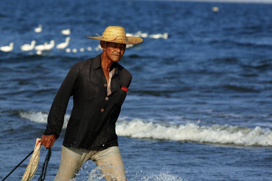 """湖南怀化市:退捕渔民""""再就业""""率达100%"""
