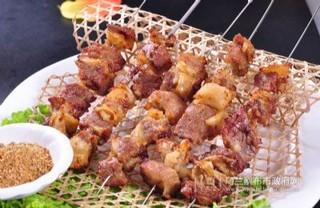 草原烤羊肉串