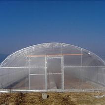 搭建简易冬暖塑料大棚