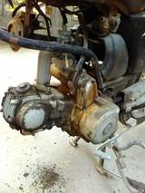 如何清除发动机上面的污垢